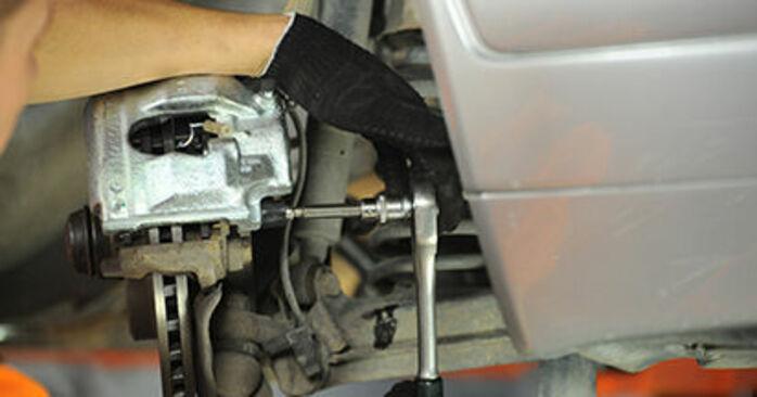 Bremssattel Mercedes W210 E 200 2.0 (210.035) 1997 wechseln: Kostenlose Reparaturhandbücher