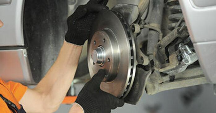 Schritt-für-Schritt-Tutorial zum eigenständigen Austausch von Mercedes W210 1999 E 320 CDI 3.2 (210.026) Radlager