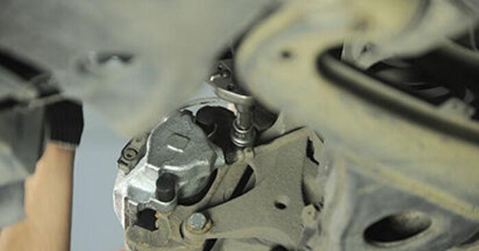 Mercedes W210 E 220 CDI 2.2 (210.006) 1997 Radlager wechseln: Gratis Reparaturanleitungen