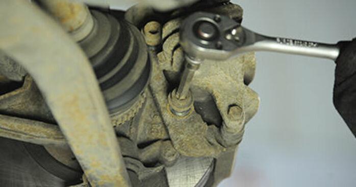 Austauschen Anleitung Bremsscheiben am Peugeot 406 Kombi 1997 2.0 HDI 110 selbst