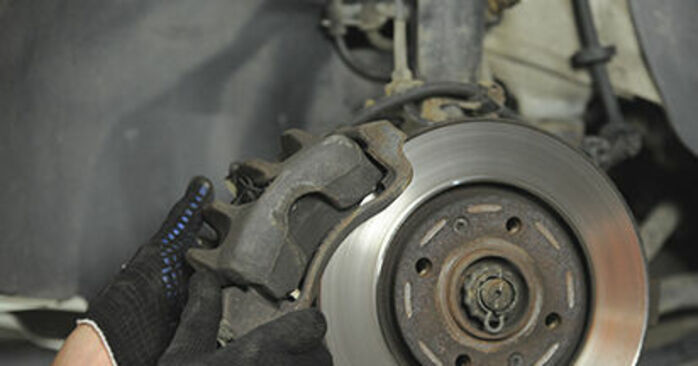 How to remove PEUGEOT 406 2.2 2000 Brake Discs - online easy-to-follow instructions