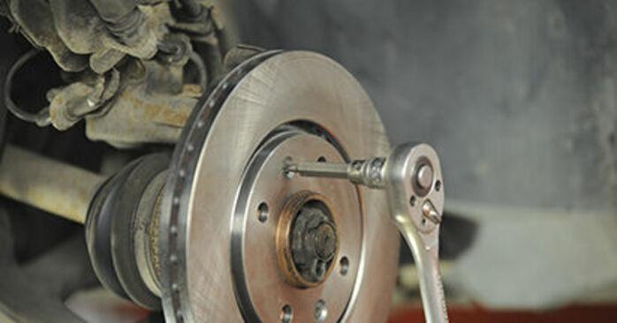 Bremsscheiben Ihres Peugeot 406 Kombi 2.0 HDI 110 2004 selbst Wechsel - Gratis Tutorial