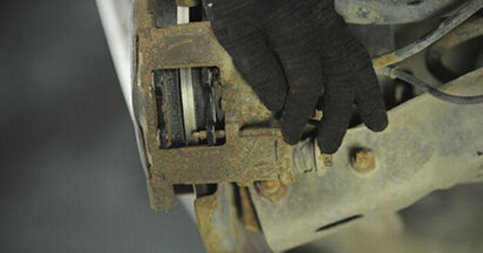 Bytte 406 Break (8E/F) 2.2 1998 Bremseklosser – gjør det selv med vår veiledning