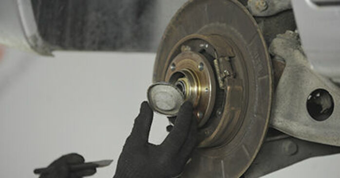 PEUGEOT 406 2.0 HDI 110 Wheel Bearing replacement: online guides and video tutorials