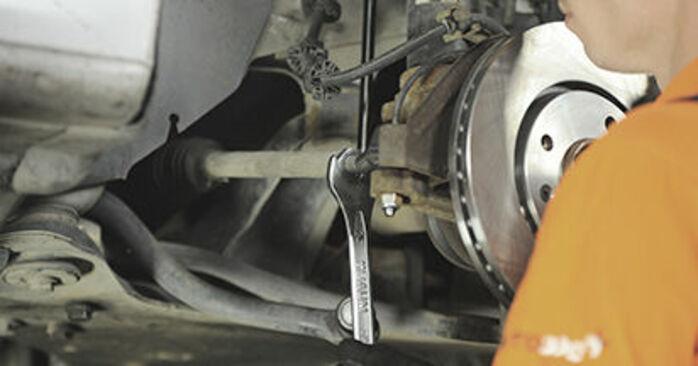 Combien de temps dure le remplacement : Rotule De Direction sur Peugeot 406 Break 2004 - manuel PDF informatif