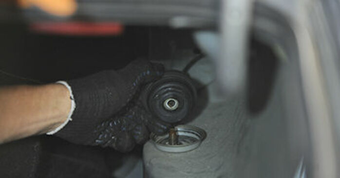 PEUGEOT 406 2.0 HDI 110 Strut Mount replacement: online guides and video tutorials