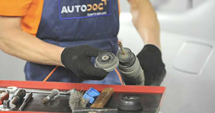 Replacing Strut Mount on Peugeot 406 Estate 1997 2.0 HDI 110 by yourself