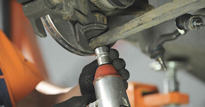 ¿Necesita saber cómo reemplazar Copelas Del Amortiguador en PEUGEOT 406 ? Este manual de taller gratuito lo ayudará a hacerlo usted mismo.