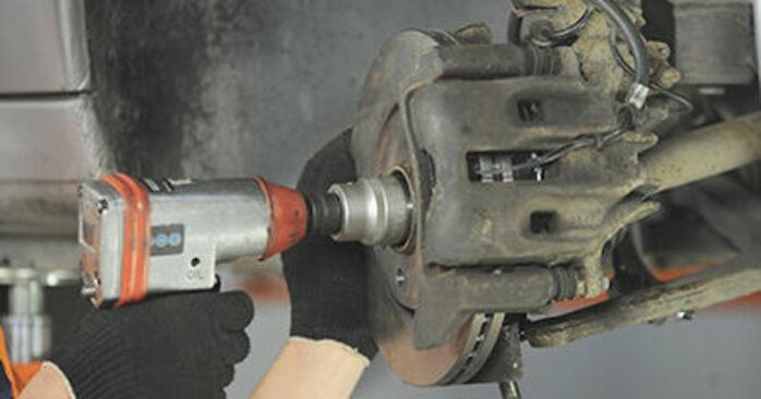 Austauschen Anleitung Domlager am Peugeot 406 Kombi 1997 2.0 HDI 110 selbst