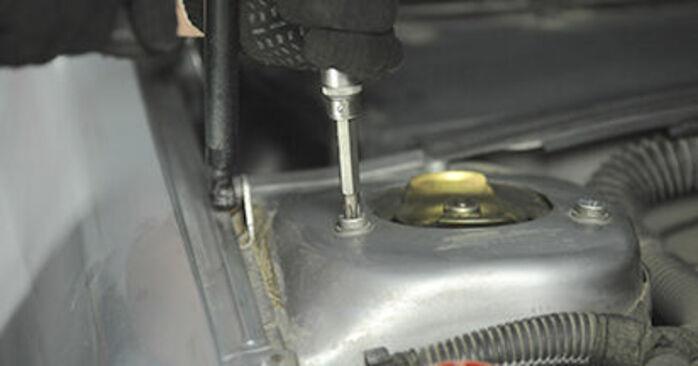 Cómo cambiar Copelas Del Amortiguador en un Peugeot 406 Familiar 1996 - Manuales en PDF y en video gratuitos