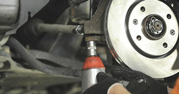 Cómo es de difícil hacerlo usted mismo: reemplazo de Copelas Del Amortiguador en un Peugeot 406 Familiar 2.0 HDi 110 2002 - descargue la guía ilustrada