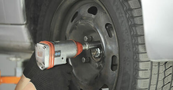 Cambio Copelas Del Amortiguador en Peugeot 406 Familiar 2004 no será un problema si sigue esta guía ilustrada paso a paso