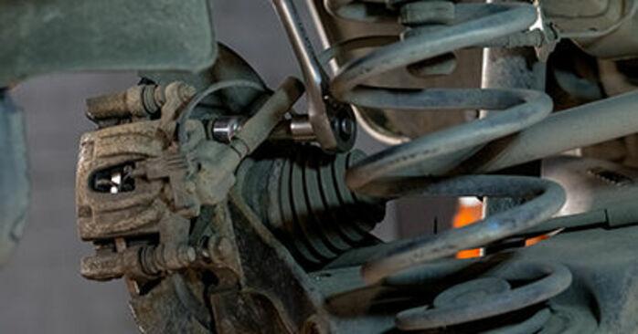 Austauschen Anleitung Bremsscheiben am Mercedes Viano W639 2013 CDI 2.2 (639.711, 639.713, 639.811, 639.813, 639.815) selbst