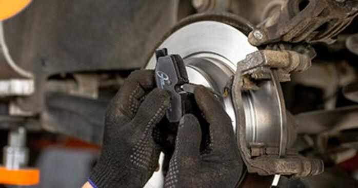 Bremsbeläge Ihres Mercedes Viano W639 CDI 2.2 (639.711, 639.713, 639.811, 639.813, 639.815) 2011 selbst Wechsel - Gratis Tutorial