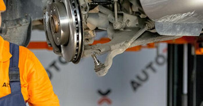 Wie schwer ist es, selbst zu reparieren: Spurstangenkopf Mercedes Viano W639 CDI 2.0 (639.811, 639.813, 639.815) 2009 Tausch - Downloaden Sie sich illustrierte Anleitungen