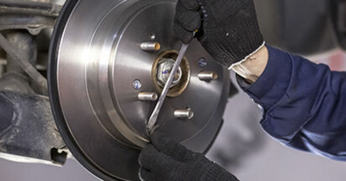 Step-by-step recommendations for DIY replacement Honda CR-V III 2019 2.4 i-VTEC 4WD (RE7) Brake Discs