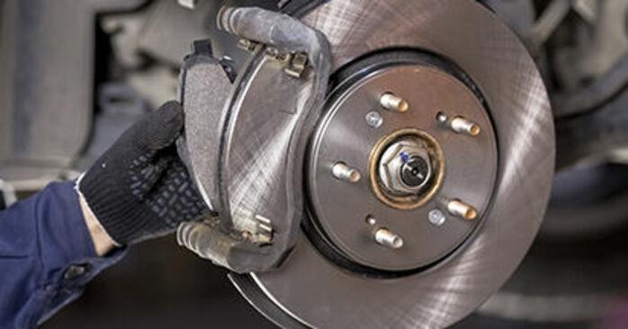 Austauschen Anleitung Bremsbeläge am Honda CR-V III 2016 2.2 i-CTDi 4WD (RE6) selbst