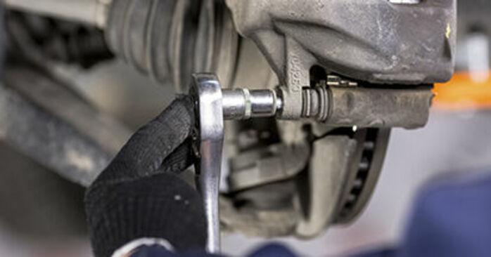 Zweckdienliche Tipps zum Austausch von Bremsbeläge beim HONDA CR-V III (RE) 2.2 i-DTEC 4WD (RE6) 2020