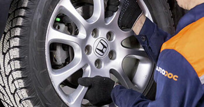 How to replace HONDA CR-V III (RE) 2.2 i-CTDi 4WD (RE6) 2007 Brake Pads - step-by-step manuals and video guides