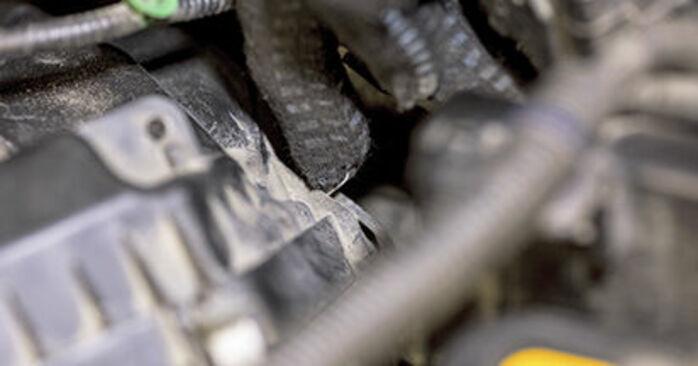 HONDA CR-V 2013 Filtr powietrza instrukcja wymiany krok po kroku