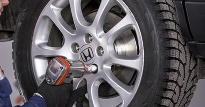 How to change Wheel Bearing on Honda CR-V III 2006 - free PDF and video manuals