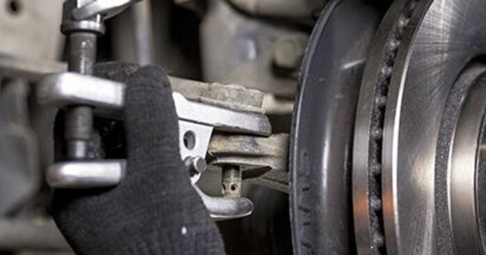 Spurstangenkopf am HONDA CR-V III (RE) 2.4 4WD (RE4) 2011 wechseln – Laden Sie sich PDF-Handbücher und Videoanleitungen herunter
