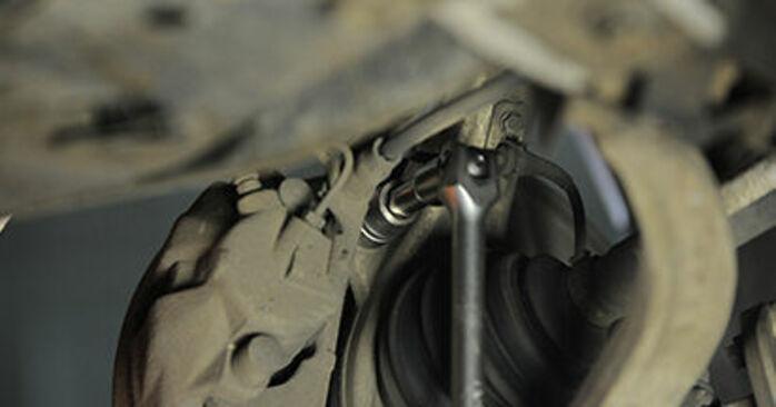 Sustitución de Discos de Freno en un Audi A4 b7 2.0 TDI 16V 2006: manuales de taller gratuitos