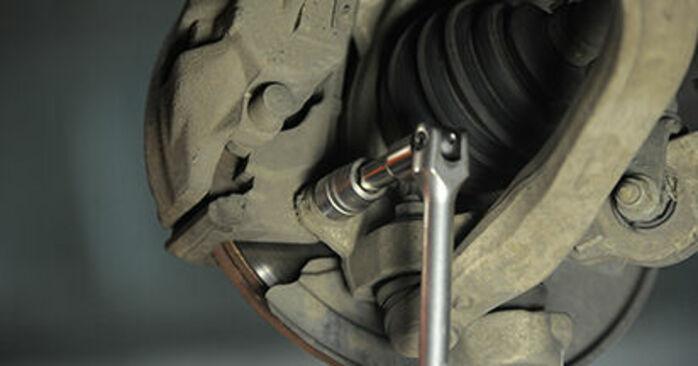 Wechseln Bremsscheiben am AUDI A4 Avant (8ED, B7) 2.0 TDI quattro 2007 selber