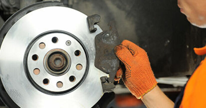 Replacing Brake Pads on Audi A4 b7 2004 2.0 TDI by yourself