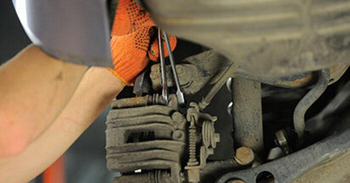 Bremsbeläge Audi A4 b7 1.9 TDI 2006 wechseln: Kostenlose Reparaturhandbücher