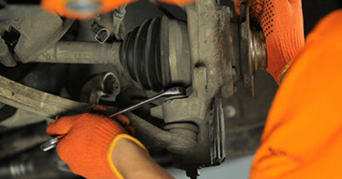 DIY replacement of Wheel Bearing on AUDI A4 Avant (8ED, B7) 1.9 TDI 2008 is not an issue anymore with our step-by-step tutorial