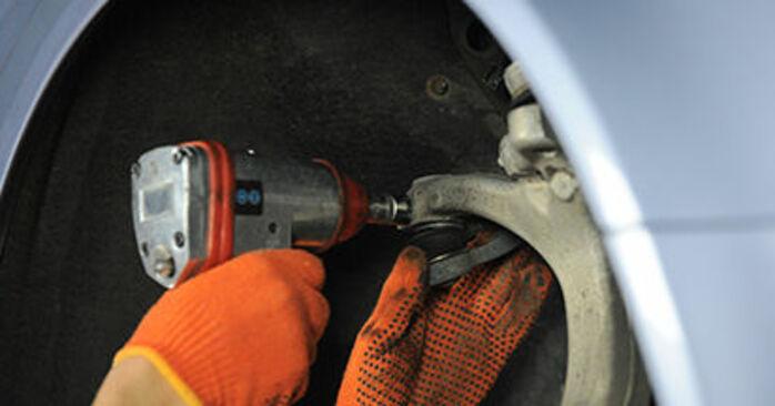 Byta Audi A4 b7 2.0 TDI 16V 2006 Hjullager: gratis verkstadsmanualer