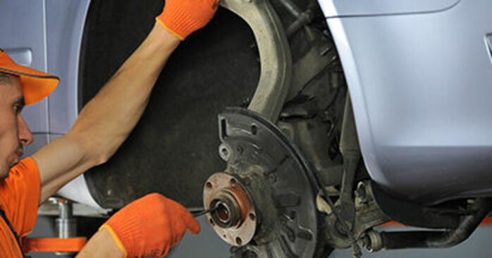 How to remove AUDI A4 2.0 TFSI quattro 2008 Wheel Bearing - online easy-to-follow instructions