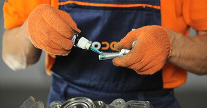 A4 Avant (8ED, B7) 2.0 TFSI quattro 2005 Wheel Bearing DIY replacement workshop manual