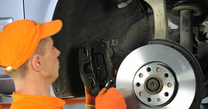 Replacing Wheel Bearing on Audi A4 b7 2004 2.0 TDI by yourself
