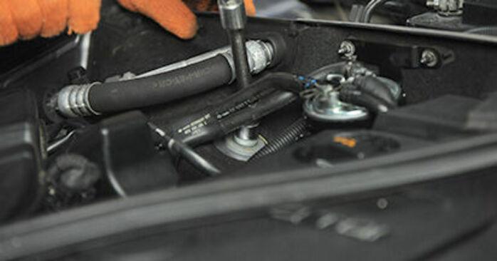 AUDI A4 2.0 TDI 16V Coupelle d'Amortisseur remplacement: guides en ligne et tutoriels vidéo