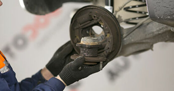 Changing of Wheel Bearing on MITSUBISHI COLT VI (Z3_A, Z2_A) 2010 won't be an issue if you follow this illustrated step-by-step guide