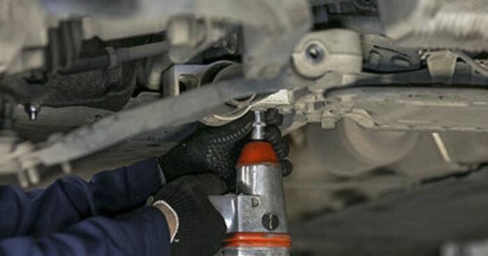 Wie schwer ist es, selbst zu reparieren: Querlenker Octavia 1z5 1.6 2010 Tausch - Downloaden Sie sich illustrierte Anleitungen