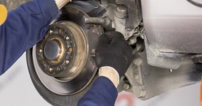 How to change Wheel Bearing on SKODA Octavia II Combi (1Z5) 2006 - tips and tricks