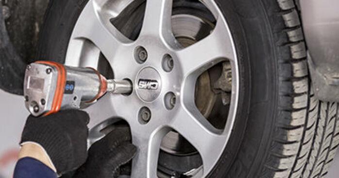 Octavia 1z5 1.6 TDI 2006 Wheel Bearing replacement: free workshop manuals