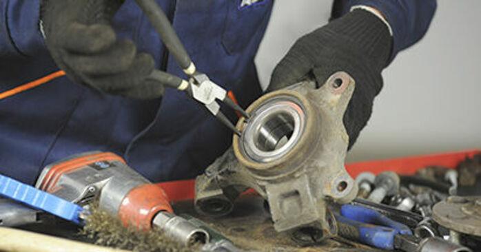 Wie lange braucht der Teilewechsel: Radlager am Dodge Caliber SRT4 2014 - Einlässliche PDF-Wegleitung