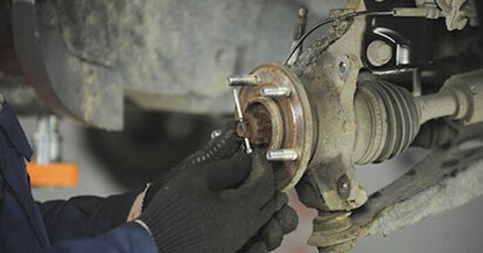 Ersetzen Sie Radlager am DODGE CALIBER 2.4 Turbo 2009 selber