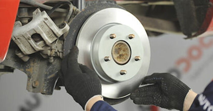 Recommandations étape par étape pour remplacer soi-même Mazda 3 bk 2009 1.4 Disques De Frein