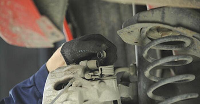 Wie MAZDA 3 1.4 2007 Bremsscheiben ausbauen - Einfach zu verstehende Anleitungen online