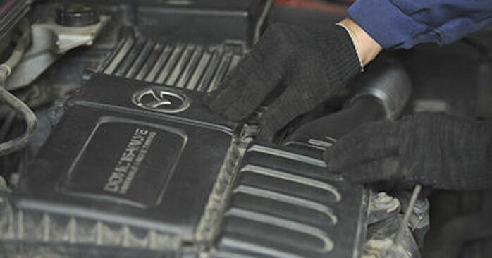 Jak wymienić Filtr powietrza w MAZDA 3 (BK) 2008 - wskazówki i porady