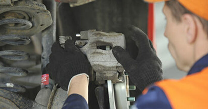 How to replace Wheel Bearing on MAZDA 3 (BK) 2008: download PDF manuals and video instructions
