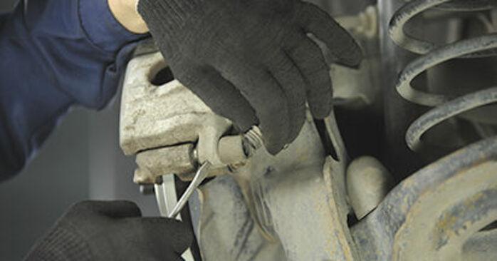 Cambie Pastillas De Freno en un MAZDA 3 (BK) 2.3 MPS Turbo 2006 usted mismo