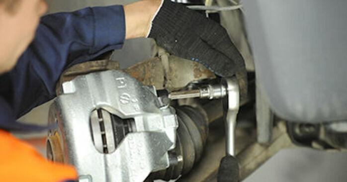 Tausch Tutorial Bremssattel am VW Transporter V Pritsche / Fahrgestell (7JD, 7JE, 7JL, 7JY, 7JZ, 7FD) 2015 wechselt - Tipps und Tricks