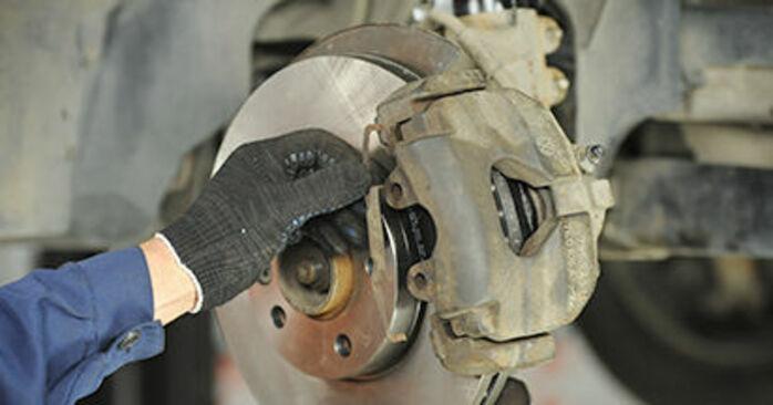 Bremssattel VW T5 Pritsche 1.9 TDI 2005 wechseln: Kostenlose Reparaturhandbücher