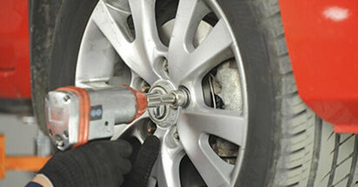 Kuinka vaihtaa Alatukivarsi Mazda 3 bk 2003 -autoon - ilmaiset PDF- ja video-oppaat